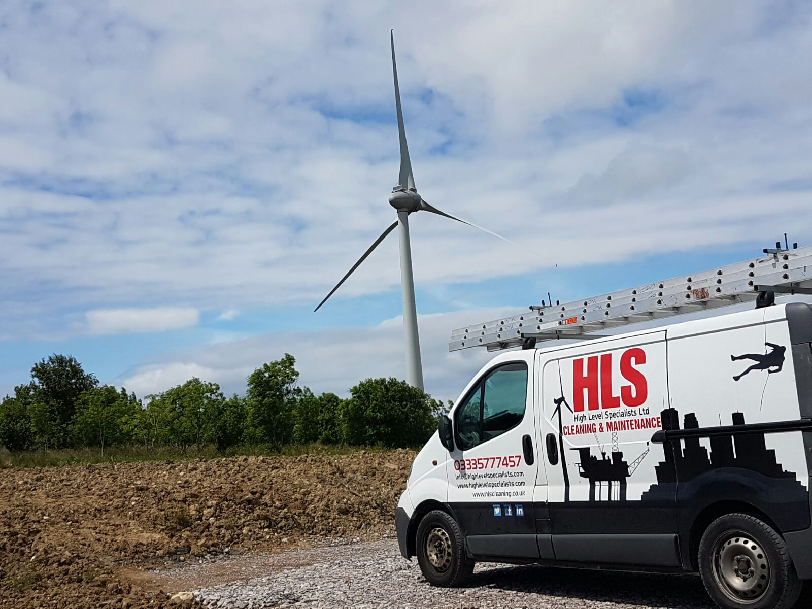 Windfarm maintenance - Renewable Energy - High level Specialists provide services for windfarms and solar energy providers.